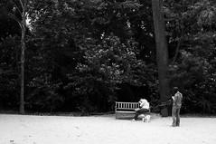 Afirmativo: ele dormiu (renanluna) Tags: park parque light sleeping blackandwhite woman dog man luz brasil bench fuji shadows br sopaulo mulher banco sp cachorro contraste vegetation fujifilm 55 homem pretoebranco mata sombras monocromia dormindo 011 contrat renanluna fujifilmx100