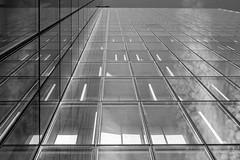 Nuages (pi3rreo) Tags: paris extérieur ville city sky clouds nuages fujifilm fujinon xe2 urbain urban immeuble skyscraper building fenêtres windows bibliothèque mitterrand haut noiretblanc black white