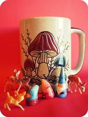Fall Shrooms (8 Skeins of Danger) Tags: blue red cup mushroom gnome babe mama doe deer mug papa nom merwing 8skeinsofdanger