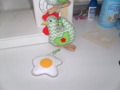 Ovo frito feito em feltro (F Eccel- Feltro no capricho) Tags: galinha tecido mbile