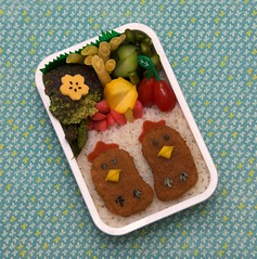 cute chickies bento [explored] (gamene) Tags: cheese cucumber tomatoes broccoli asparagus bento yellowsquash chickennuggets yellowbeans