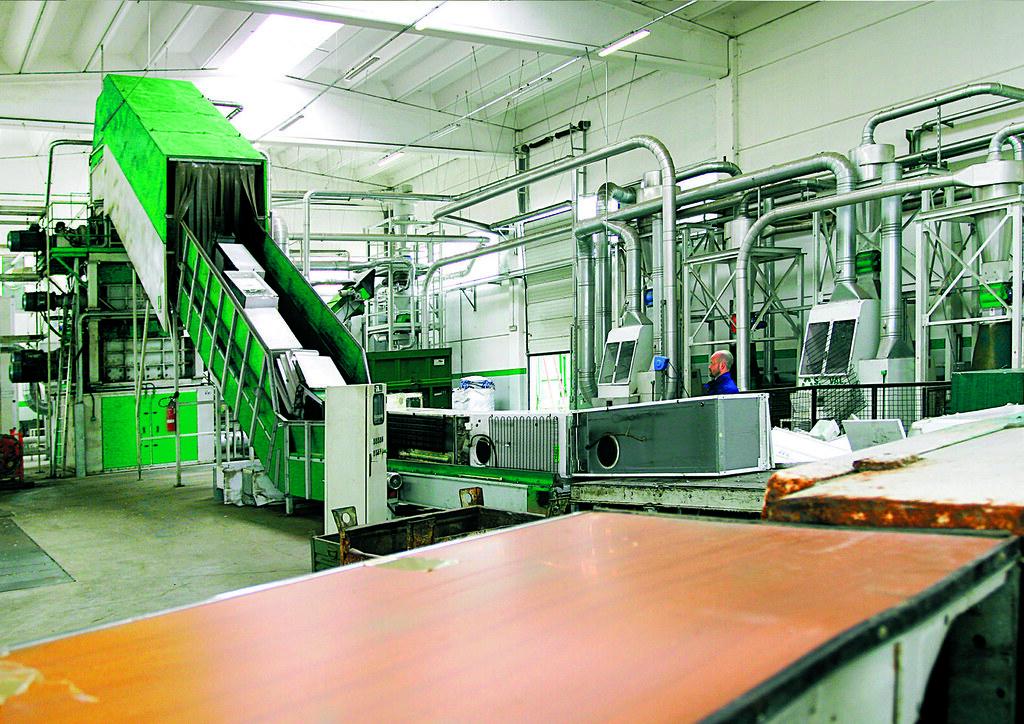 Impianti per il trattamento dei frigoriferi - Systems for the treatment of refrigerators