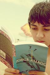 leitor. (alineioavasso) Tags: read livro ler leitura leitor