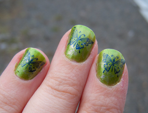 Green konad nail design