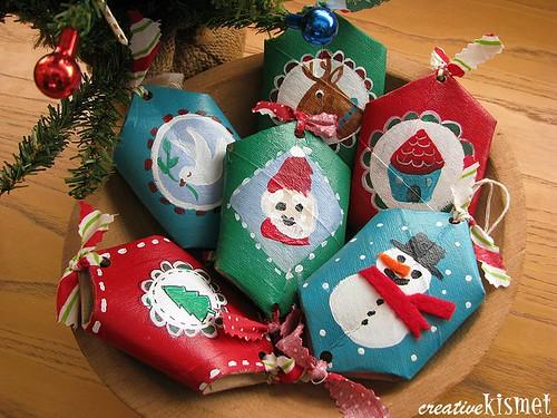 božićni ukras od kartona role wc papira