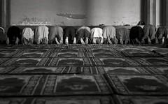 (Odaa) Tags: india prayer praying mosque mezquita kashmir srinagar muslims jamamasjid modlitwa cachemira rezando oracin musulmanes muulmanos meczet kaszmir muzumanie