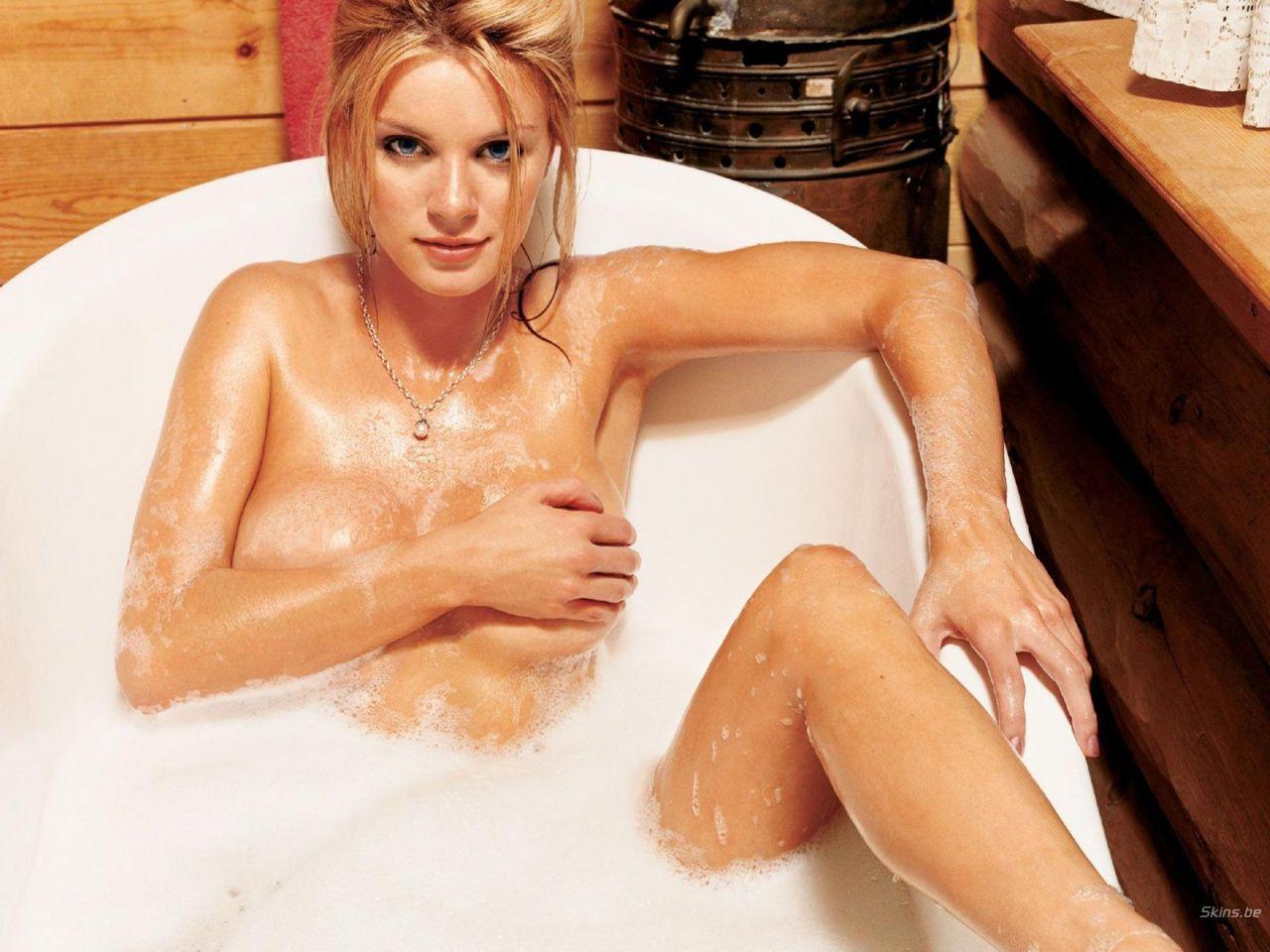 Nicole Hiltz Naked 62