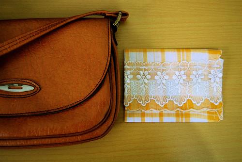 dainty tissue case