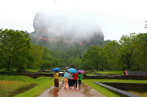 To Sigiriya in the rain