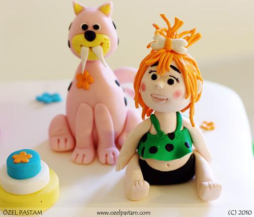 Çakmaktaşlar Çakıl ve Pisicik Pastası / Flintstones Cake