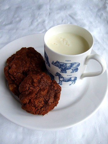 brownie cookies and milk