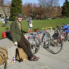 DSC_1002 (eldan) Tags: seattle usa washington bikes bicycles capitolhill tweed calandersonpark retrogrouch seattletweedride