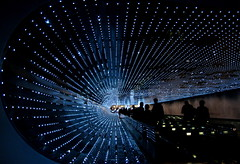 Star Tunnel (Kurlylox1) Tags: sculpture stars lights starwars modernart tunnel peoplemover led psychedelic lightshow concourse nationalgalleryofart movingwalkway multiverse eastbuilding lightsculpture leovil