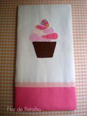 Pano de prato com patchcolagem (Flor de Retalho) Tags: artesanato cupcake costura retalho acessrio patchcolagem panodeprato panodecopa acessriosparacozinha artesanatocomtecido artesanatocomretalho florderetalho