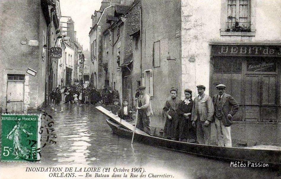 rue inondée à Orléans le 21 octobre 1907