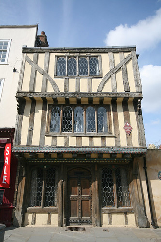 8 Palace Street, Canterbury