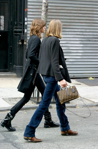 CHANEL: Freja & Abbey Synch Up