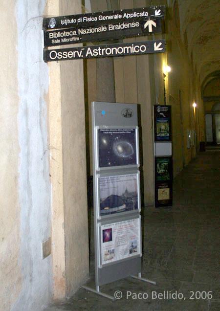 Entrada al Observatorio. © Paco Bellido, 2006