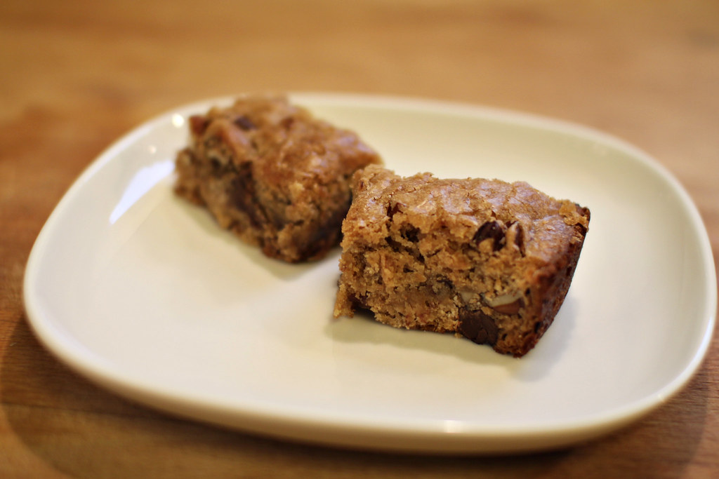 Chocolate chip- pecan blondies