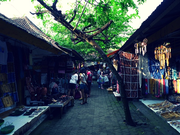 Shopping @ Pura Tirta Empul