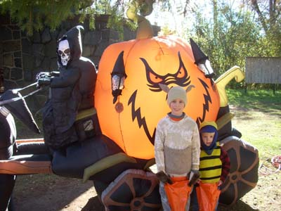 boys at boo at the zoo
