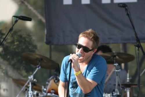 The Ruse frontman, John Dauer in Inpeloto.
