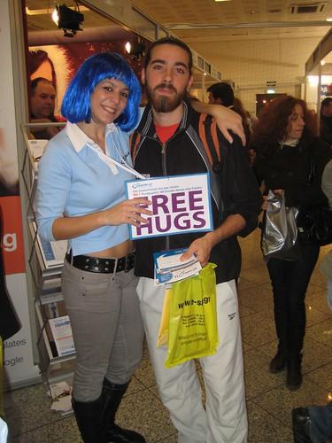 free-hugs-tophost