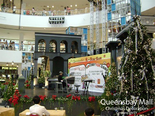 Queensbay Mall Christmas Decoration 1