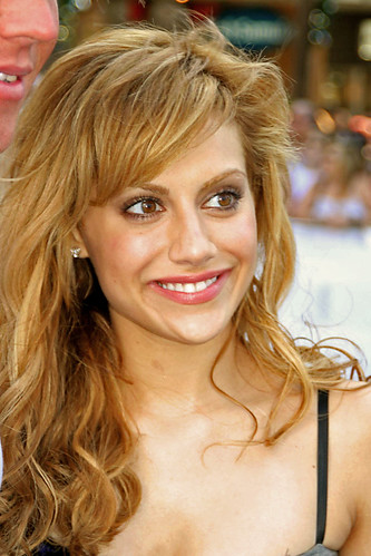 Thumb Actress Brittany Murphy is dead, by a Cardiac Arrest at age of 32