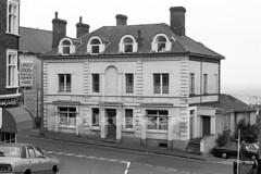 Bell Hotel, Leigh-on-Sea -1978 (piktaker) Tags: uk hotel essex leighonsea southend fishingvillage southendonsea bellhotel leighhill oldtownleigh