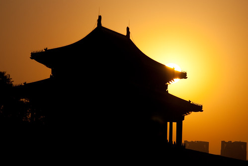 Forbidden City Sunset (by niklausberger)
