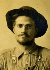 handsome cowboy or farmer c 1910 Oregon (pince_nez2008) Tags: sexy beard nose glasses cowboy handsome eyeglasses myopic eyewear nearsighted pincenez noseclip vintageeyewear vintageeyeglasses pinchnose antiqueeyeglasses fingerpiece pinchnoseglasses