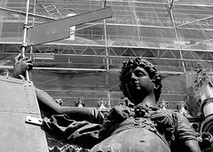 Giraldillo (Landahlauts) Tags: summer sevilla andaluca catedral seville andalucia andalusia andalusien giralda sville andalousie veleta andalusie andaluz siviglia alandalus  andaluzia   giraldillo  andaluzja  sewilla andaluzio         landahlauts                    andalouzia andalusiya      ishbiliya capitaldeandalucia
