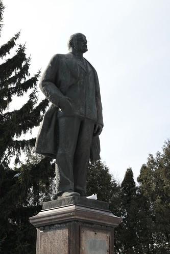 Москва: Памятник В. И. Ленину в Кузьминках