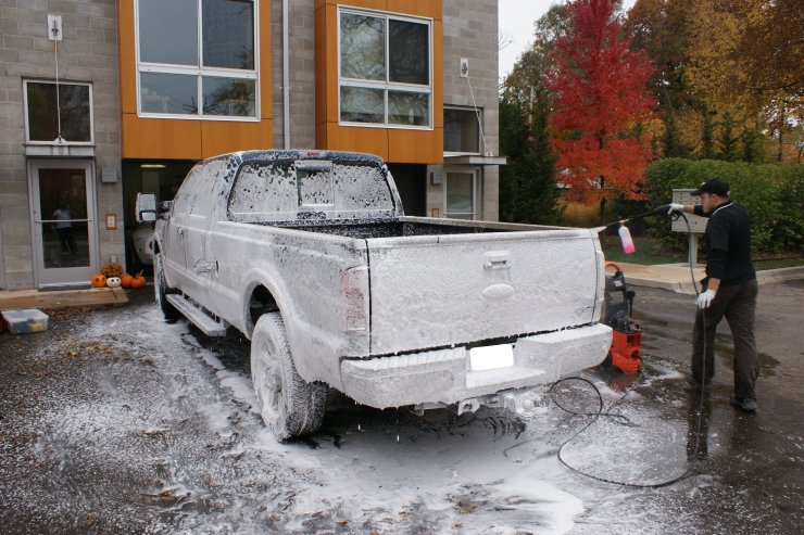 F250 with thick layer of washing foam - back view