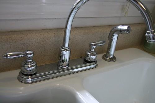 clean sink & faucet