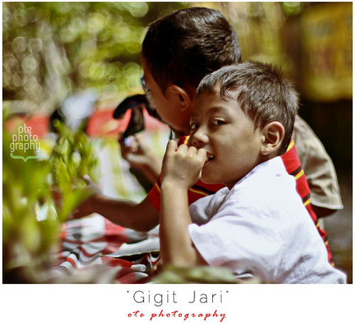 """Gigit Jari"" by Wayan Parmana"