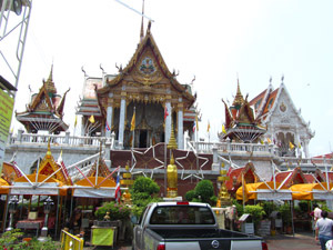 5722574984 252681a78d o 101 Things to Do in Bangkok