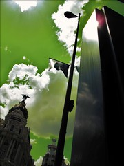 Hope in Madrid (Madrid) (Seigar) Tags: green hope magic madrid sky cielo verde theblueheartbeat canon canong11 farola nubes clouds reflejo reflection different diferente travel trip journey viajar viaje viajero travelling traveller beauty belleza bonito nice urban setting special me theblueheart myself identity fantasy modern cool vision strange odd yo identidad sentido sense nonsense diferencia perspectiva perspective fantasies uncommon rare art photograph photography photographer blueguy seigar pop popular