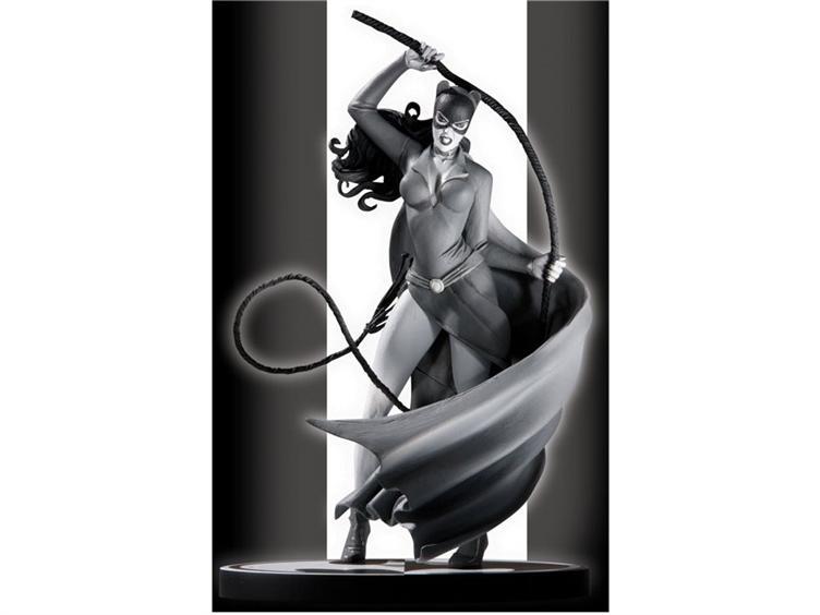 Catwoman -BATMAN BLACK & WHITE STATUE line- 4112031225_c94211e866_o