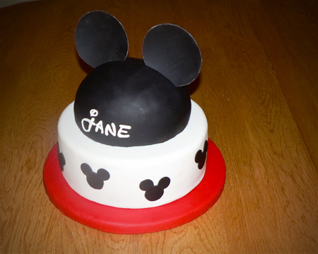 mickey-mouse-hat-cake