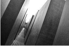 Berlino (Mirko Mineri) Tags: prospettiva berlino monumentoallolocausto