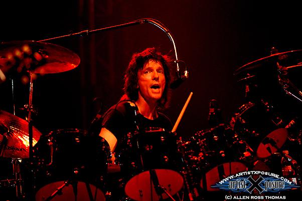 Gil Moore - Triumph