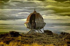 Oops!  This Isn't Kansas (twbphotos) Tags: spokane alien ufo landing kansas hdr terrybell washingron twbphotos