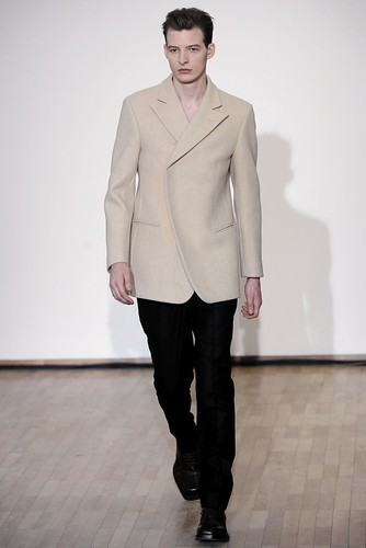 Albert Kraup3030_FW10_Paris_Raf Simons(gsquared2@mh)