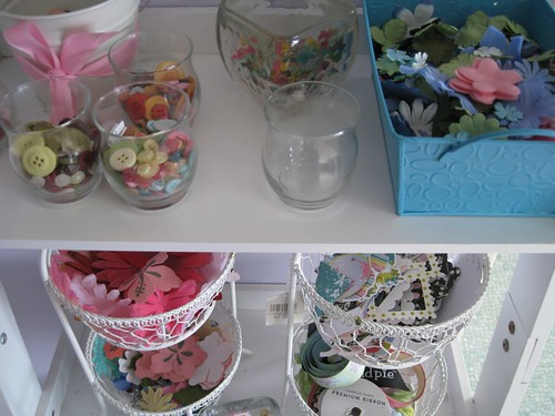 Button and flower stash