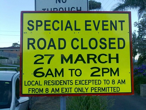 ex-HMAS scuttling road closure sign