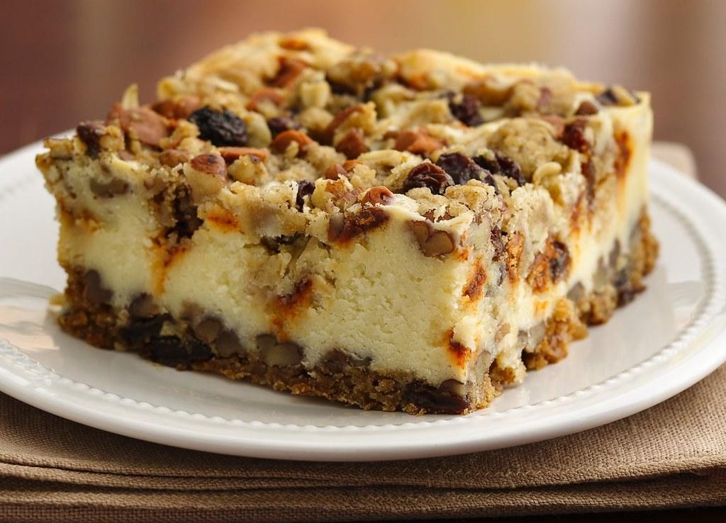Oatmeal Raisin Cheesecake Crumble