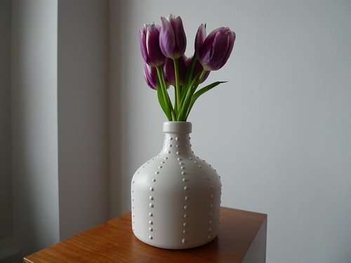 finished vase (and hell's kitchen tulips)