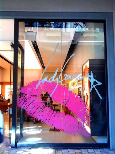 Robins Shoe Store Ala Moana